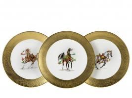 Тарелки с изображением рысаков Cheval Noble