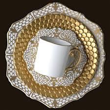 Alencon Gold Тортница с кружевным рисунком